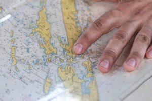 Mapy turystyczne na morzu