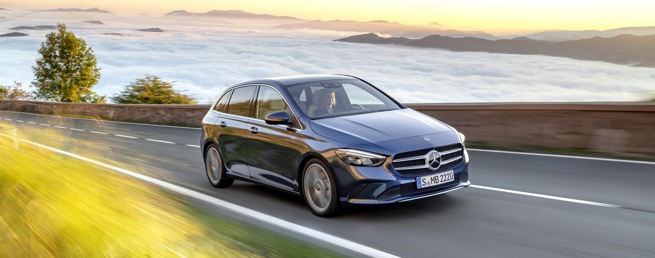 Dynamiczna i spójna linia nadwozia sprawa, że Mercedes B klasa ma bardzo zwartą sylwetkę